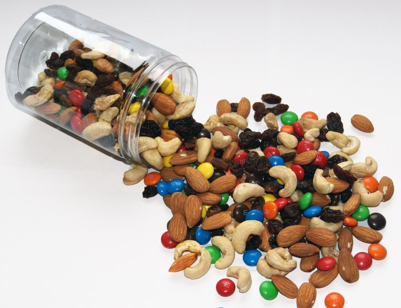 Trail mix easy recipe chocolate protein healthy